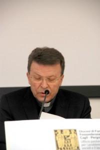vescovo politici